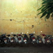 Vietnam_hoian_scooters-r50